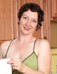 Housewife nextdoor shows off her beauty