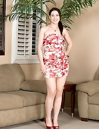 Gorgeous mom Sarah Shevon wears cotton panties and red high heels